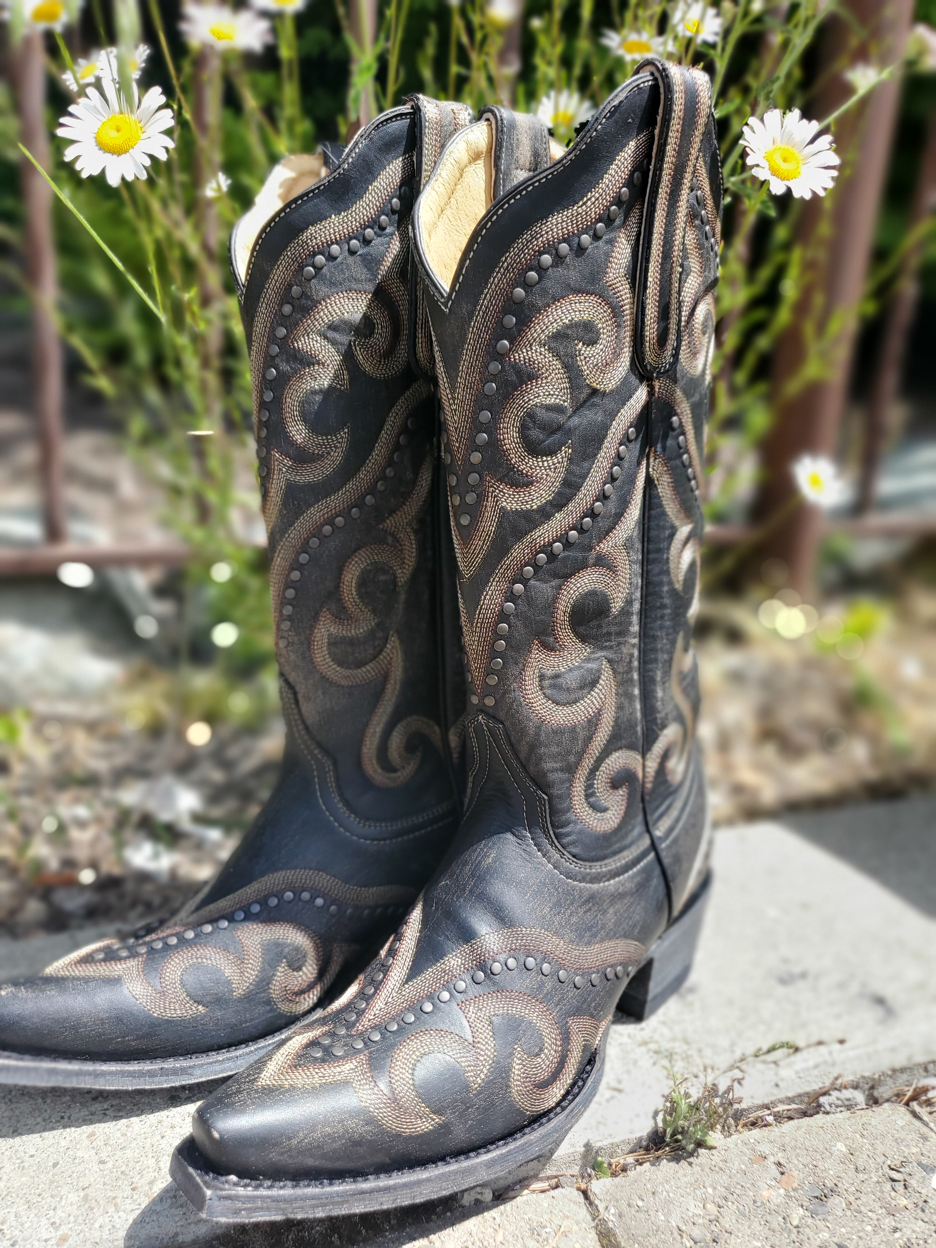 "Old Gringo Shay 13"" Boot in Black and Beige - tempting-teal-boutique"