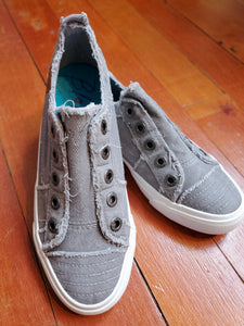 Blowfish Play Sneakers in Light Gray