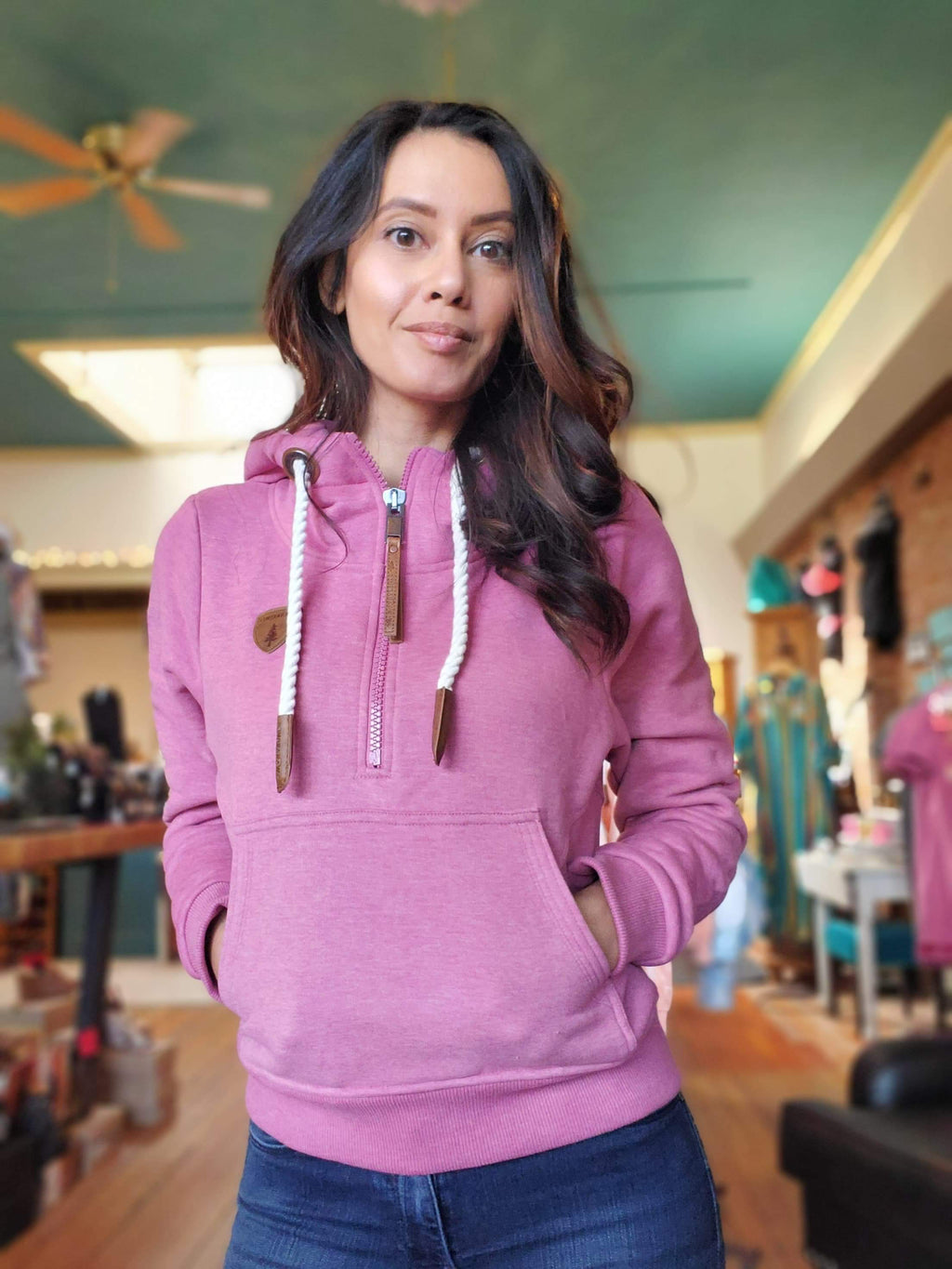 Wanakome Noella Pullover Hoodie in Cassis