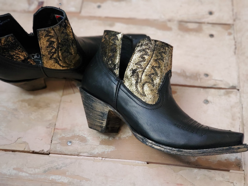 Old Gringo Yippee Kiyay Myrna Black and Gold Boots