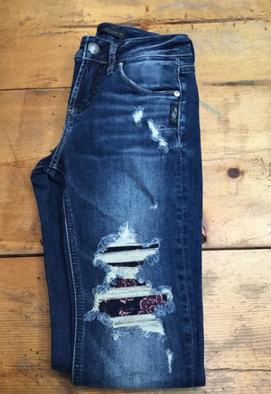 Silver Jean Co Avery Skinny High Rise w/ Floral Patches - tempting-teal-boutique