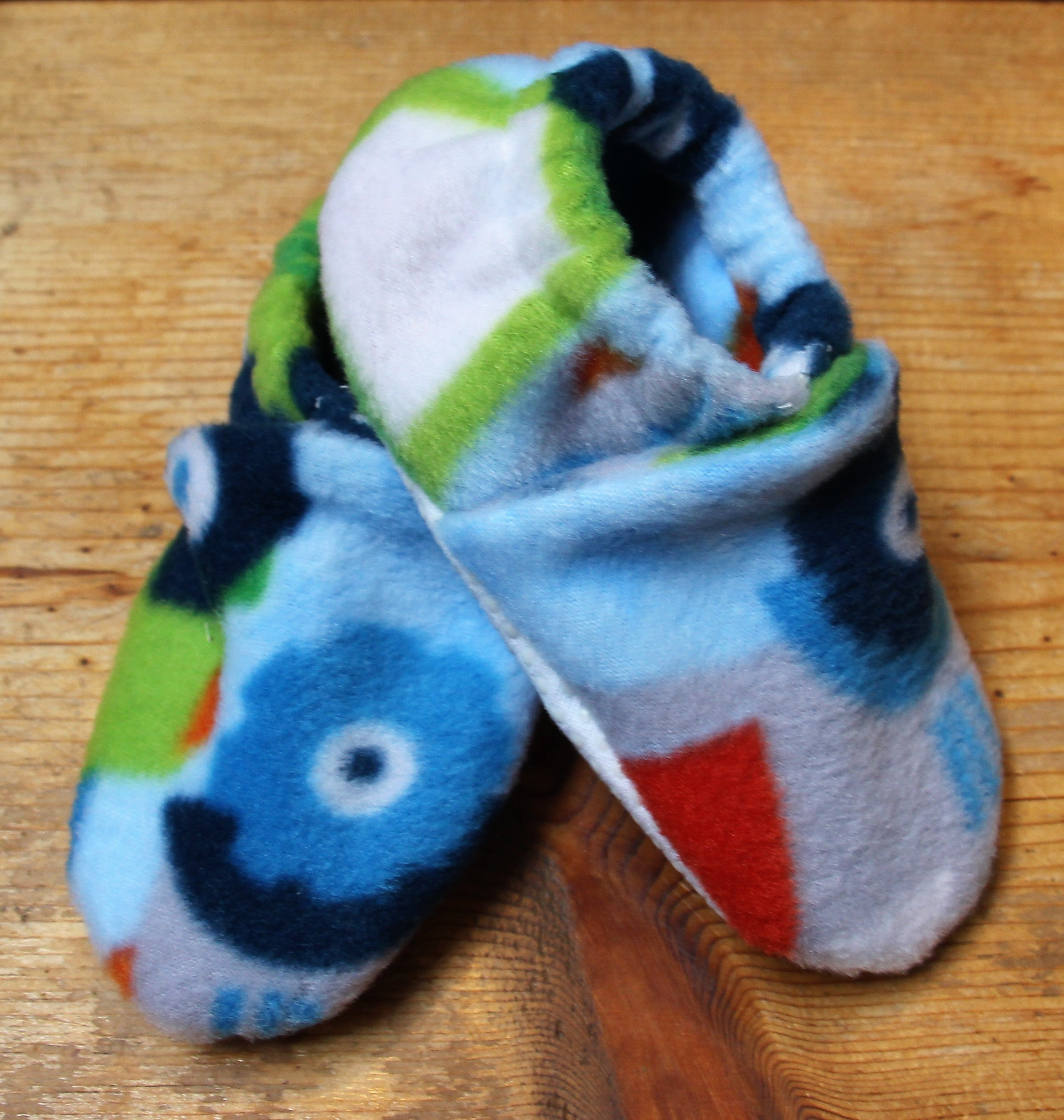 Wolfe Fleece Baby Booties - tempting-teal-boutique