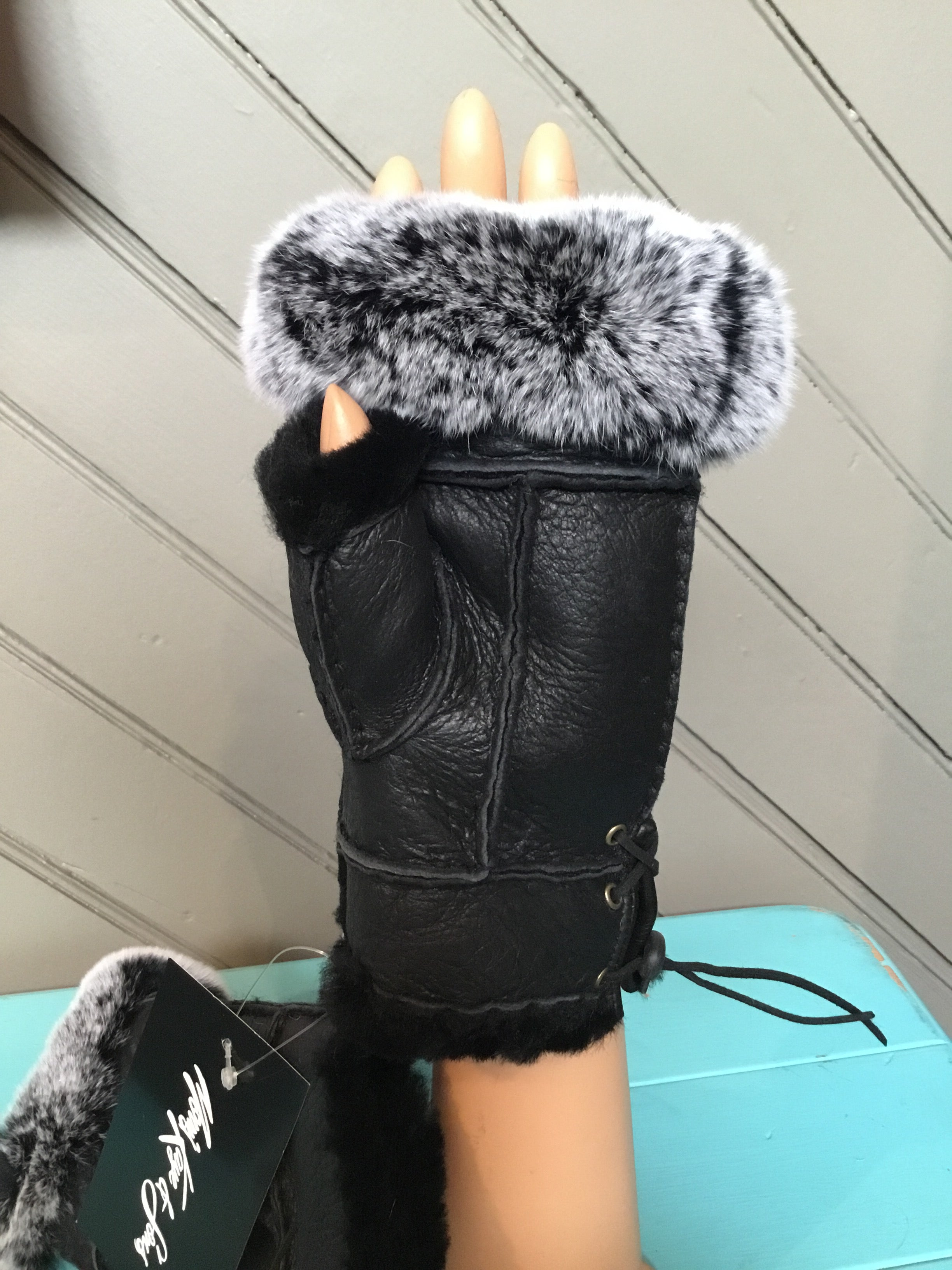 Black Shearling Rabbit Fur Gloves - tempting-teal-boutique