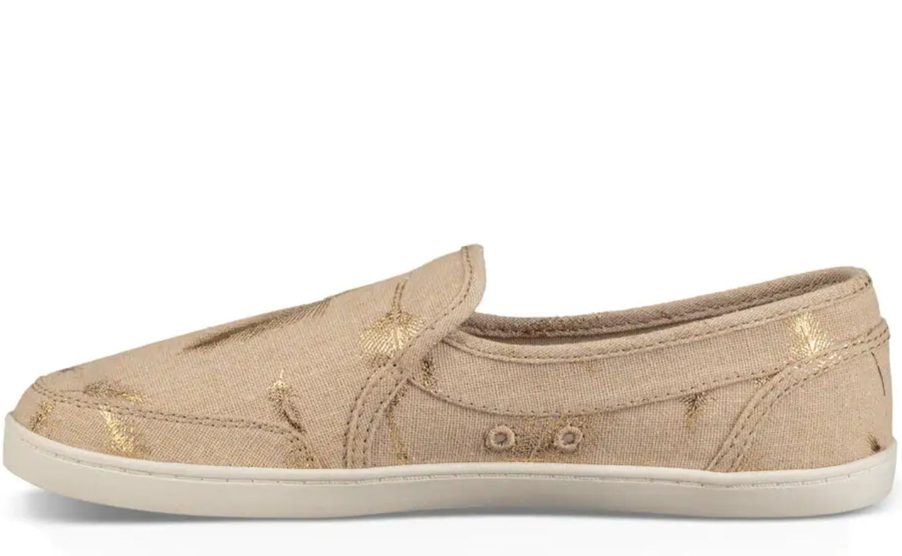 Sanuk Pair O Dice Shoes in Natural w/ Gold Feather