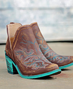Circle G Cognac with Teal Embroidery and Teal Heel