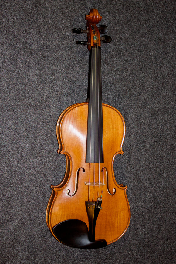 High Quality Flamed Stradiuarius-style violin 4/4 - Jakes Main Street Music