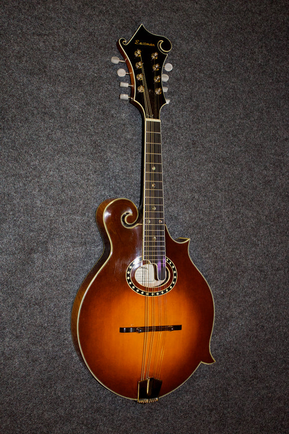 Eastman MD-814-SB-S Oval hole Mandolin - slightly used. - Jakes Main Street Music