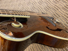 Load image into Gallery viewer, Eastman MD-515 Mandolin