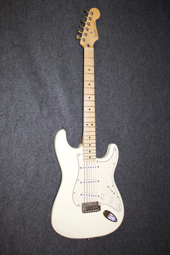 Fender Stratocaster (MIM) (2005) White/Maple