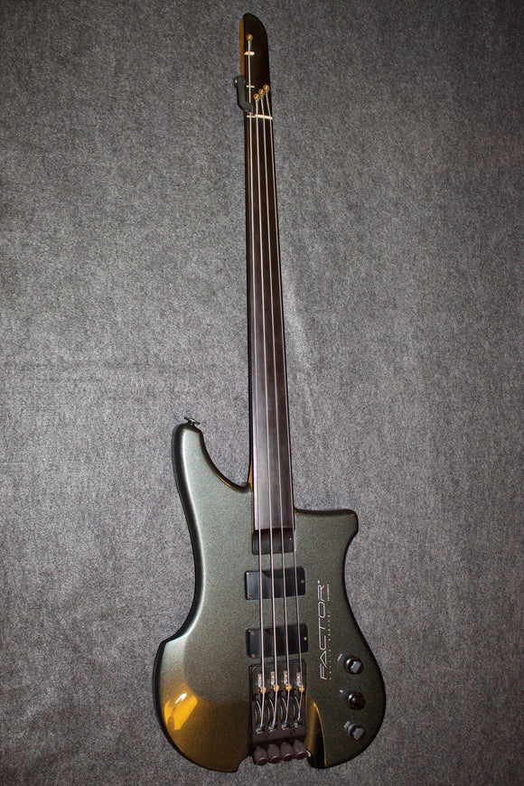 Phillip Kubicki Factor Bass c. 2006