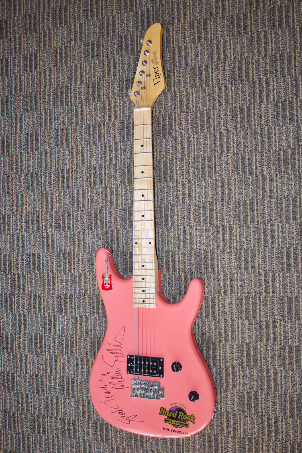 Viper GE93 Electric Guitar autographed by Melissa Etheridge