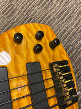 Load image into Gallery viewer, Roscoe Century Signature 5 string.