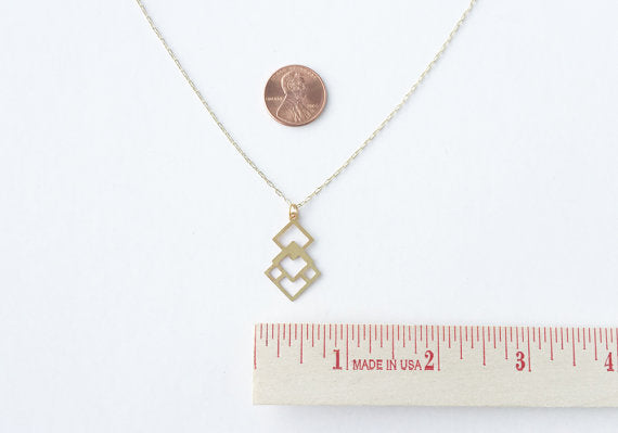 A Tea Leaf jewelry - Overlapping Diamonds Necklace | Brass