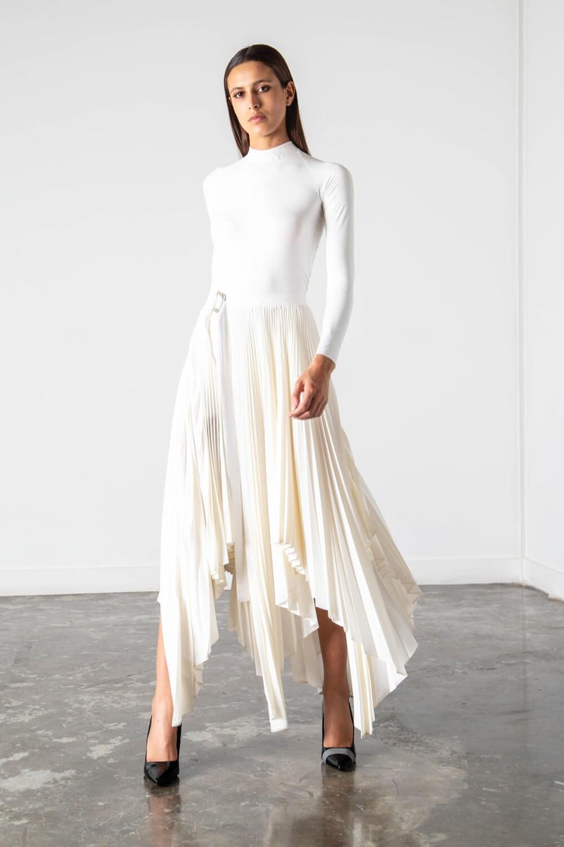 https://cdn.shopify.com/s/files/1/0034/2713/9633/files/PF19_ASYMMETRIC_PLEATED_WRAP_SKIRT_OFF_WHITE_3.mp4