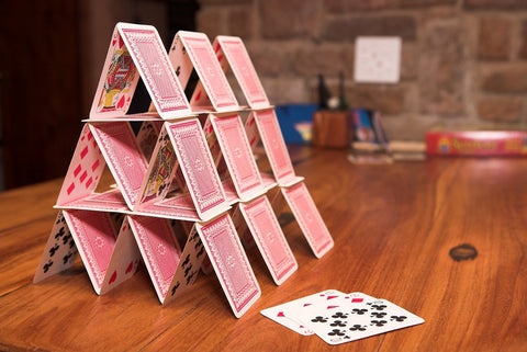 House of Cards - THE SINGLE MOST EXTENSIVE READING YOU'LL EVER SEE!
