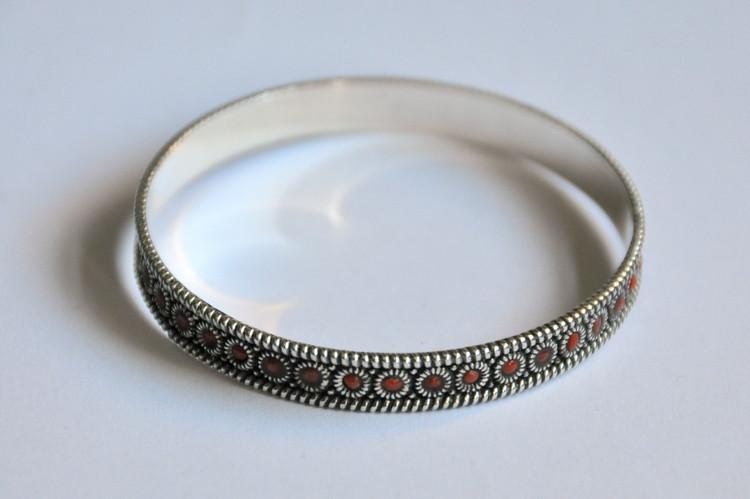 Hand made Lajwati Bangle by kaarigar made in India