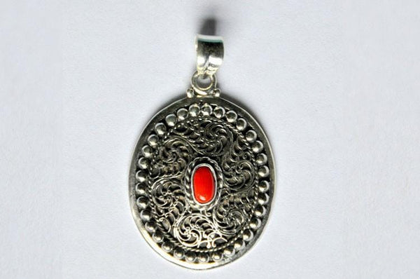 Hand made Prani Pendant by kaarigar made in India
