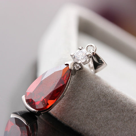 925 Sterling Silver Inlaid Garnet Pendant W/ Droplets of zirconium