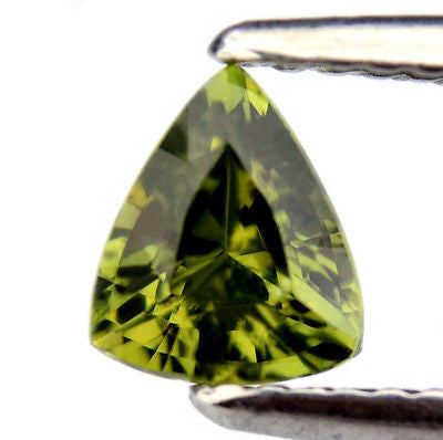0.85ct Certified Natural Unheated Trillion Vivid Green Sapphire Vvs Clarity Untreated Madagascar Gem - sapphirebazaar - 1