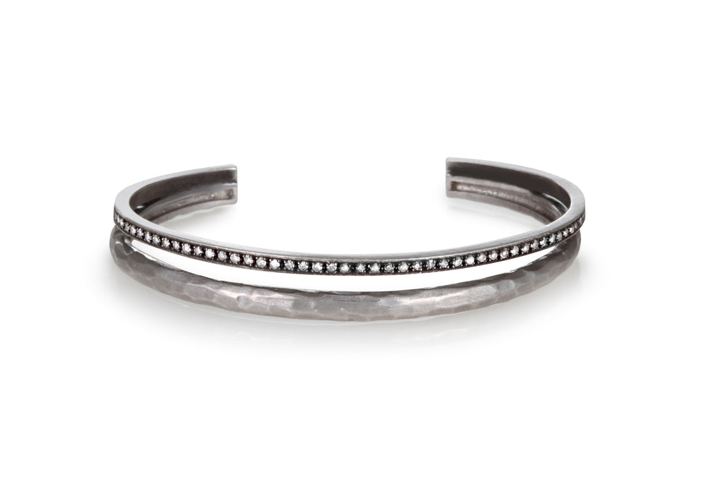 DOUBLE BANGLE IN OXIDIZED SILVER AND DIAMONDS