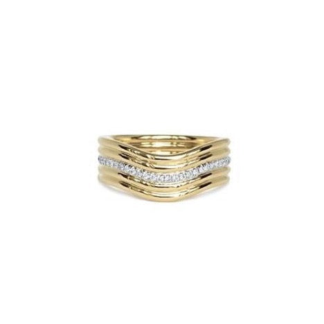 Berceau Cinq Gold and Diamond Ring