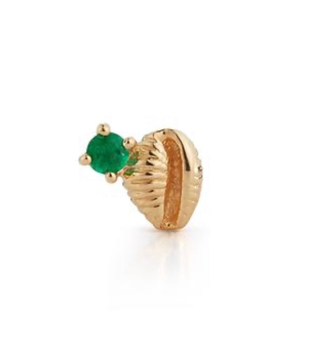 Bitsy Bean Stud with Emerald - Closed