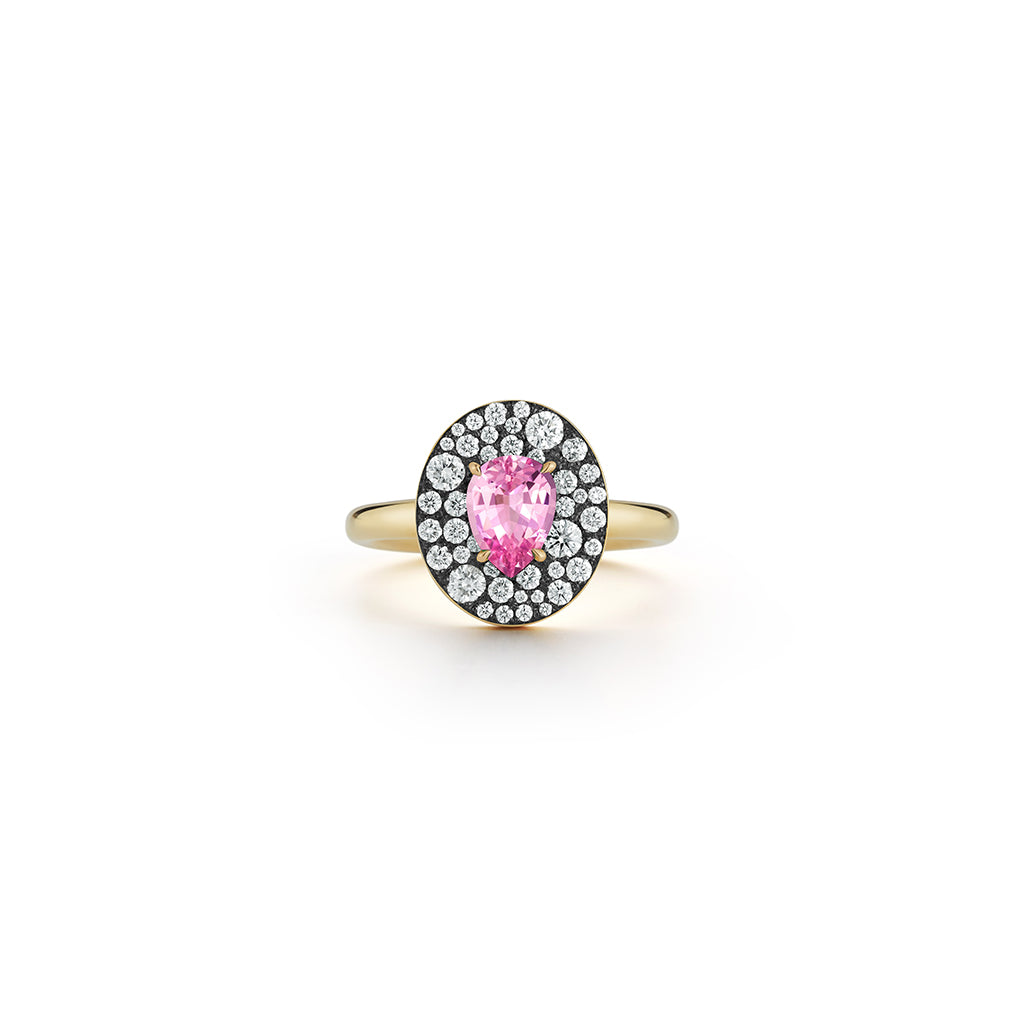 Privé Oval Pink Sapphire Ring