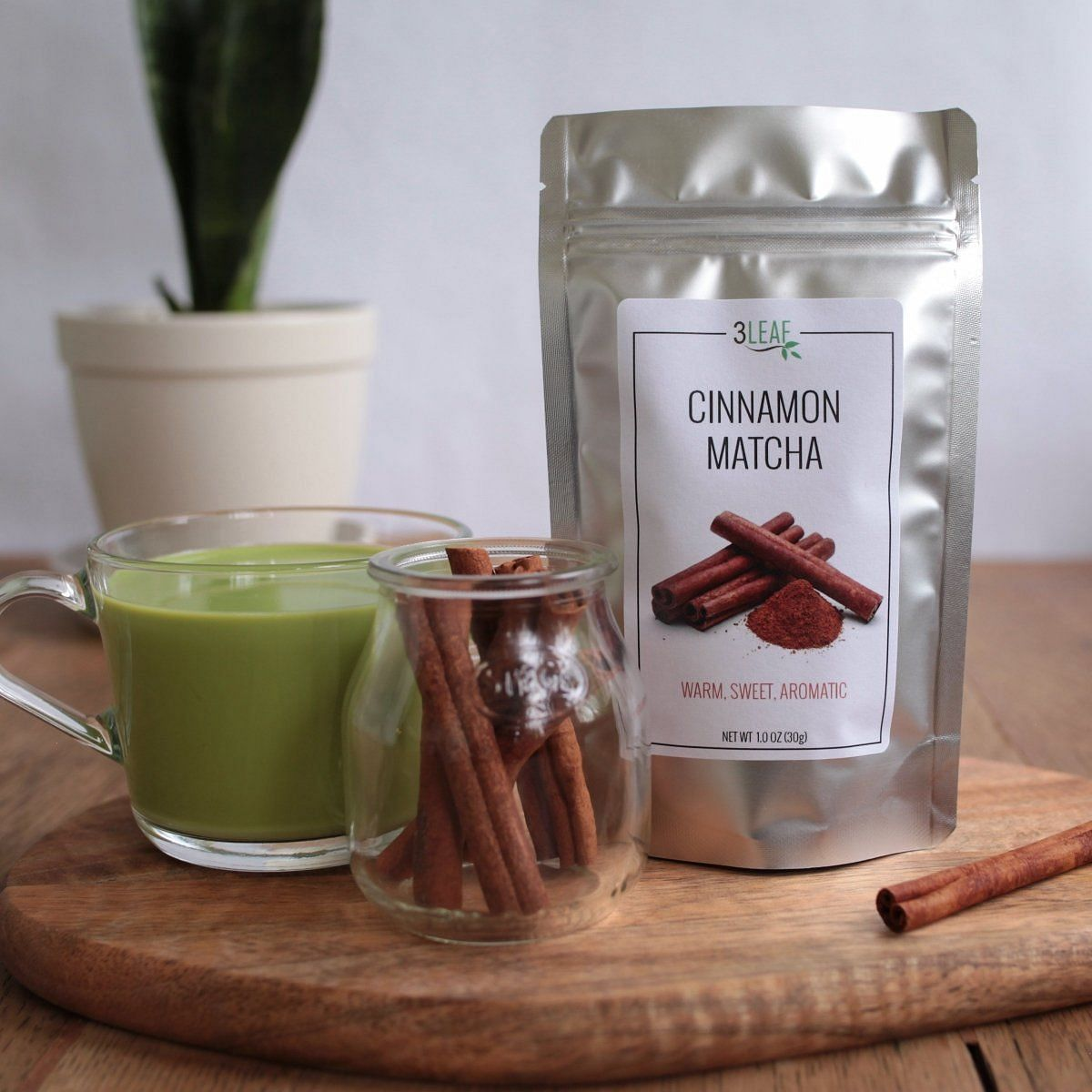 Cinnamon Matcha | 3 Leaf Tea | Flavored Japanese Green Tea