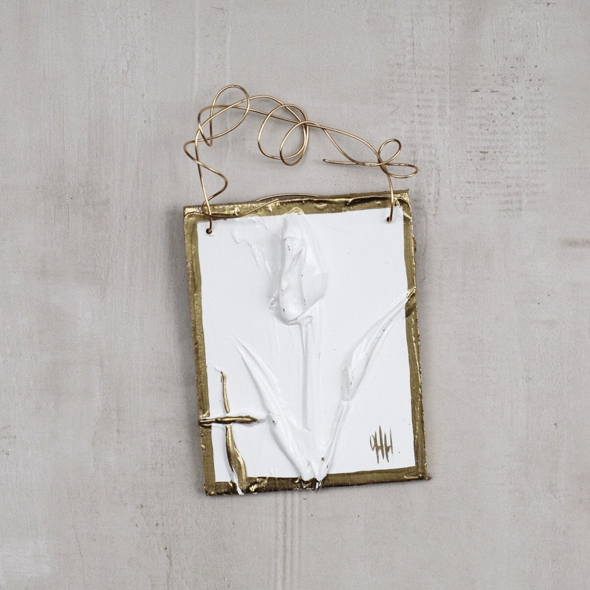 WHITE FLOWER HANGER 1