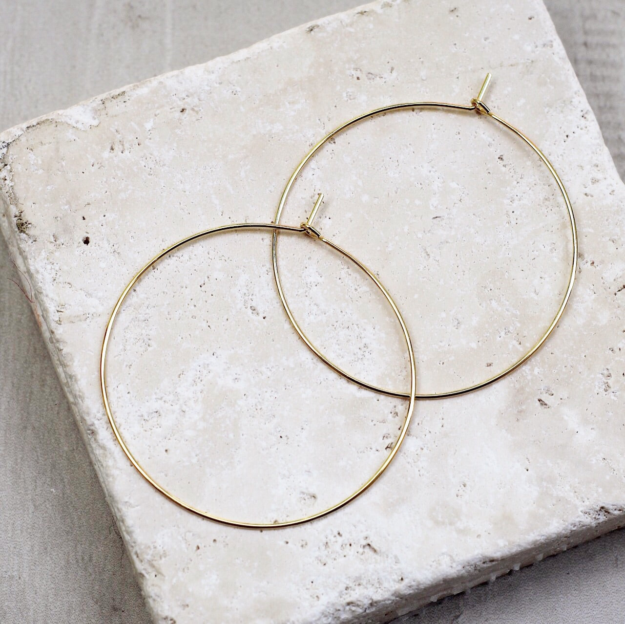 GOLD THIN HOOP EARRING