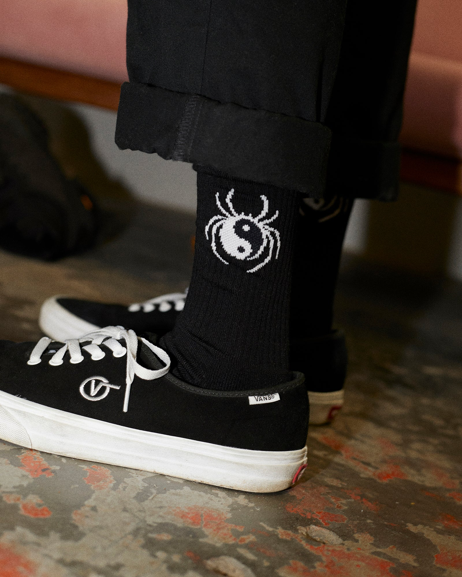Yin Yang Spider Socks - Black