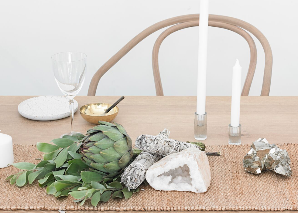 DINING TABLE STYLING TIPS FOR YOUR FESTIVE CELEBRATIONS