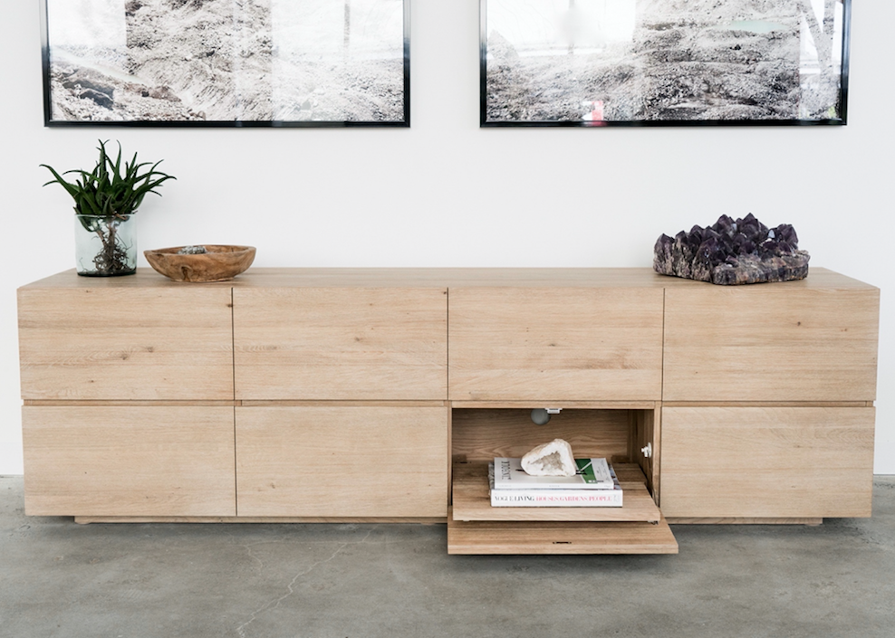5 TIPS FOR DECORATING YOUR SIDEBOARD WITH EASE
