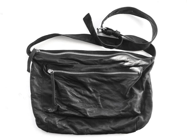 Zip leather shoulder bag