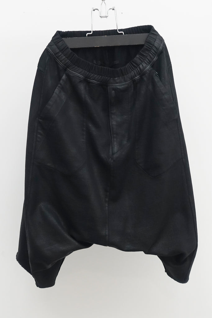 JULIUS Drop crotch shorts