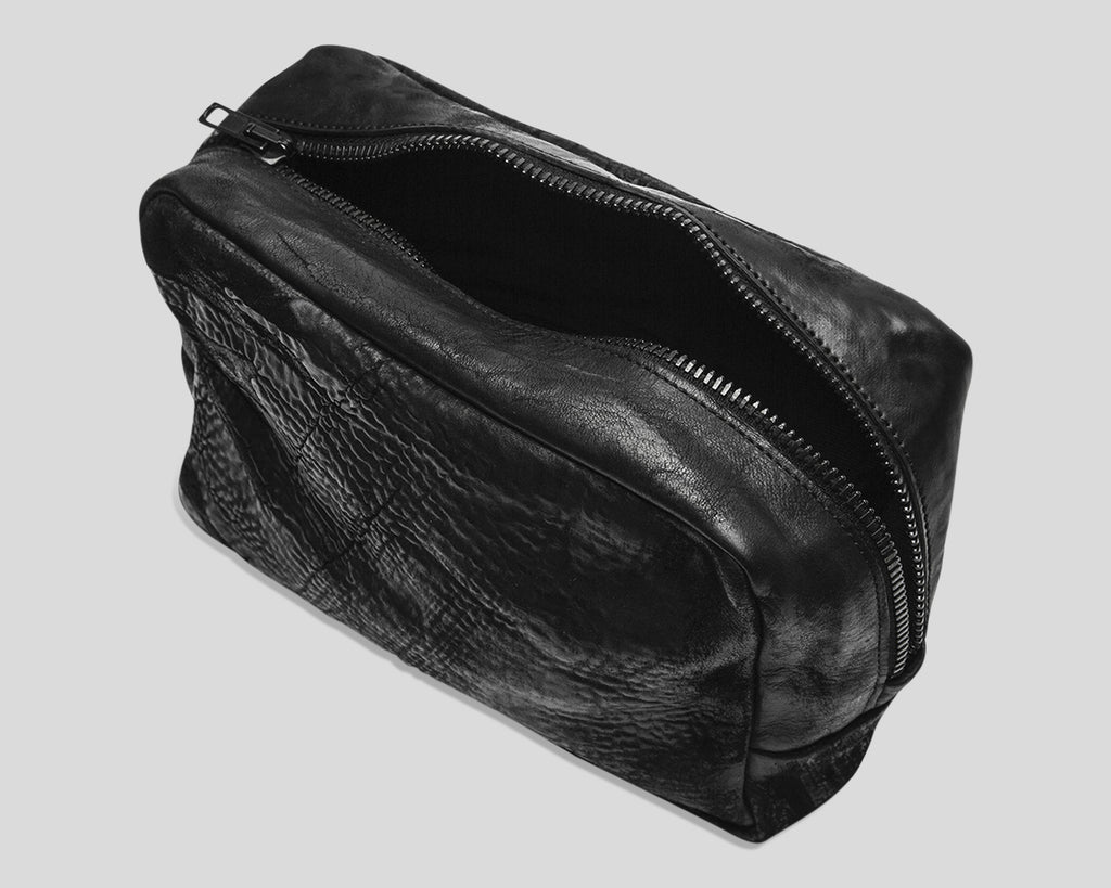 Small horse leather toilet bag