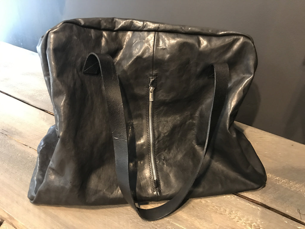 Soft leather weekend bag