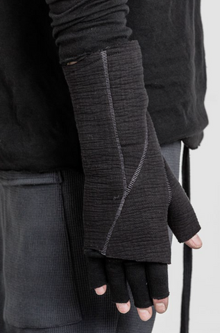 Seamed double layered gloves