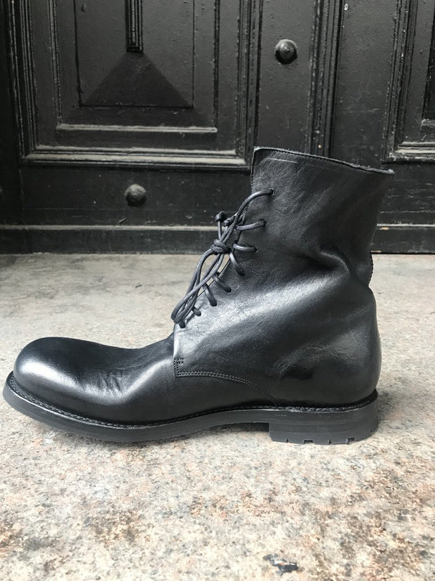 Seppo re-waxed leather boots