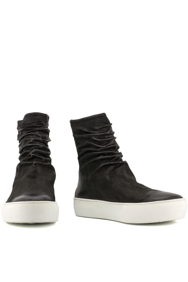 Finn matte leather sneakers