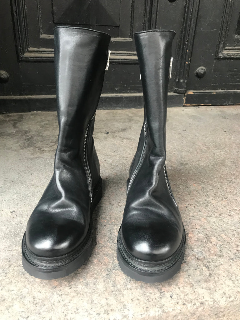 Wolf re-waxed leather boots