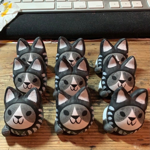 Daruma Cat Figure - Black Version