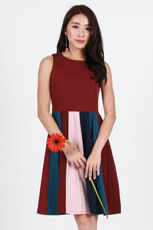*Premium* Radelle Colorblock Dress In Wine