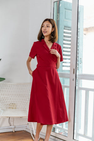 Zaara Buckle Wrap Dress In Red