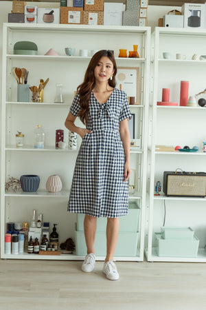 *TSA Label* Tamika Gingham Front Knot Midi In Navy
