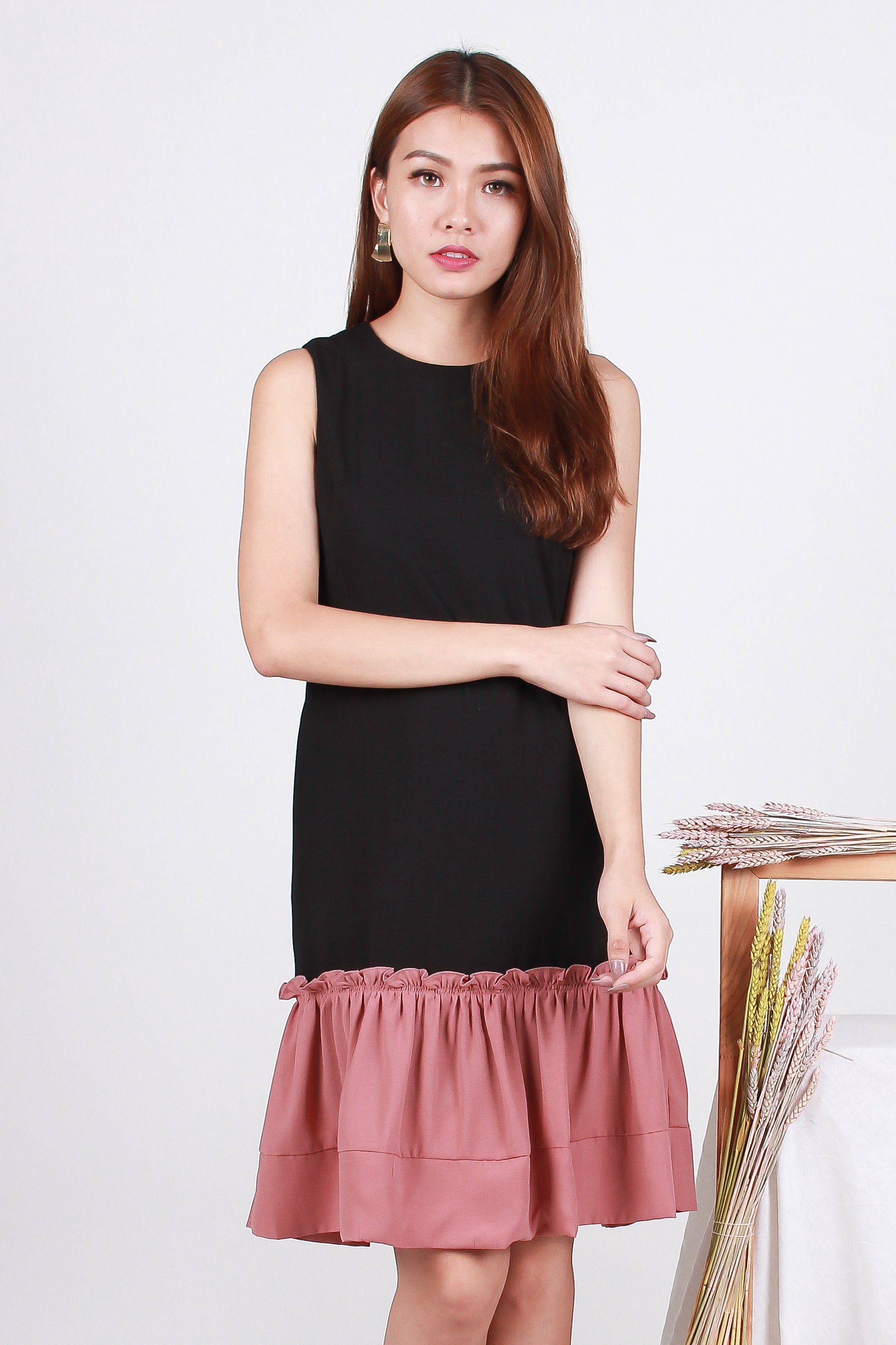 840b8186e4 Tamia Frill Dropwaist Dress In Black Pink - The Sunday Avenue
