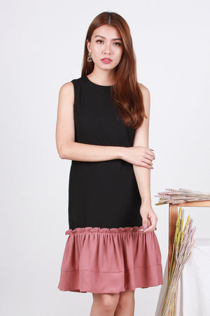 Tamia Frill Dropwaist Dress In Black/Pink
