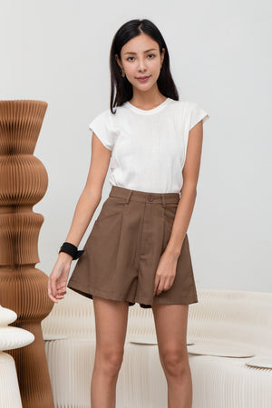 Andre Button Shorts In Coffee