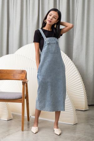 Nicole Denim Midi In Light Wash