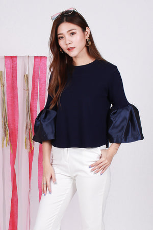 Tynna Knit Top In Navy